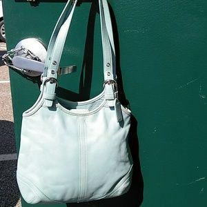 L38-4988 Coach handbag